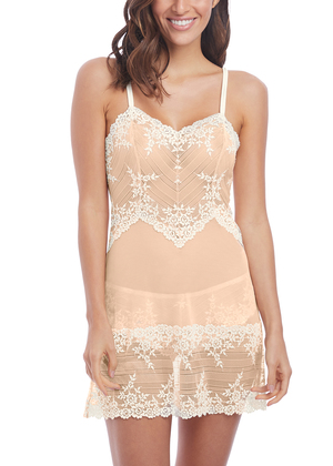 Embrace Lace  Naturally Nude / Ivory