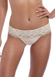 Lace Essentiel Tanga Cream / Powder