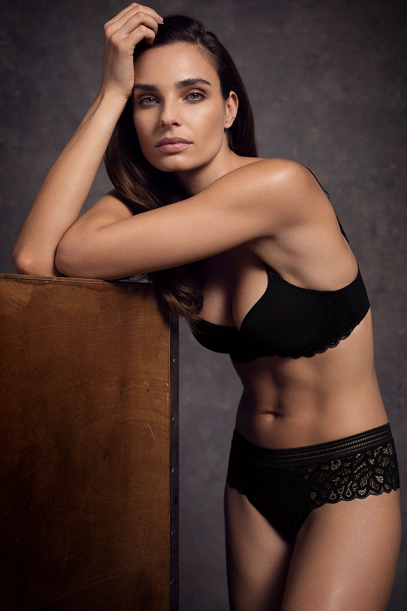 Wacoal Lingerie, Raffine in Black, Contour Bra and Short